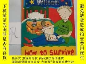 二手書博民逛書店HOW罕見TO SURVIVE SUMMER CAMPY15335