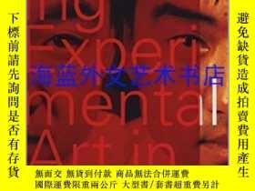 二手書博民逛書店Exhibiting罕見Experimental Art in