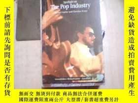 二手書博民逛書店5罕見Spotlight on The Pop Industry