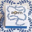 〔APM飾品〕自然色調湛藍歐風禮物盒(大) (長 x 寬 x 高 = 8.5 x 8.5 x 4.3 cm)