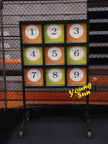 棒球九宮格 投擲遊戲 連線賓果 職棒訓練 運動 全新製做買賣 客製化訂做 大型遊戲 兒童節