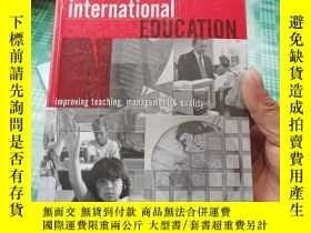 二手書博民逛書店International罕見Schools and International Education: Impro