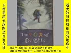 二手書博民逛書店英文原版罕見The Box of Delights by Joh