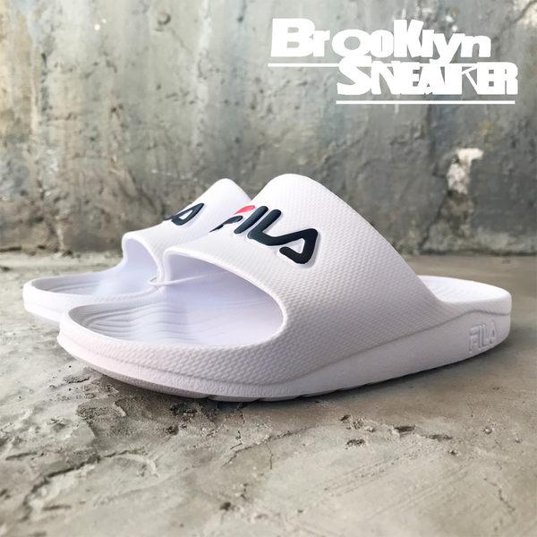 FILA (偏小建議大半號)白底藍紅 LOGO 防水 拖鞋 (布魯克林) 4S355Q113