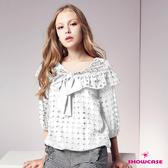 【SHOWCASE】鏤空蕾絲荷葉領蝴蝶結七分袖上衣(黑/白)