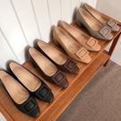 低跟鞋.氣質簡約素色方扣粗跟包鞋.白鳥麗子