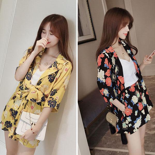 春秋套裝   繽紛花朵印花中袖外套+鬆緊腰雙口袋短褲     [黑 黃] 兩色售 [MNNO16052302]