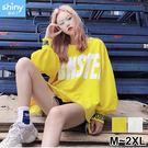 【V2595】shiny藍格子-甜漾秋天.英文字母圓領寬鬆薄款上衣