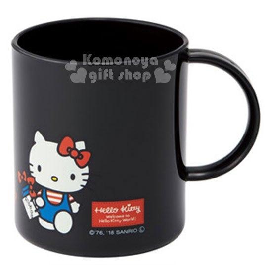 〔小禮堂〕Hello Kitty 日製塑膠小水杯《黑.站姿.提袋》240ml.漱口杯 4973307-42476