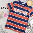(大童款-男)美式風格拼字寬條紋棉質短袖上衣(310071)【水娃娃時尚童裝】