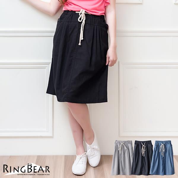裙子--俏麗清新壓摺飾釦設計抽繩鬆緊素面休閒裙(黑.灰.藍S-3L)-Q55眼圈熊中大尺碼◎