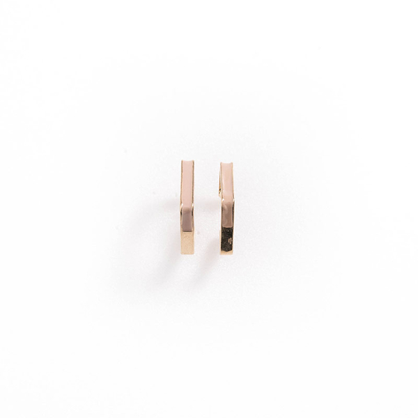 Queen Shop【07030577】菱形金邊裸色耳針式耳環*現+預*