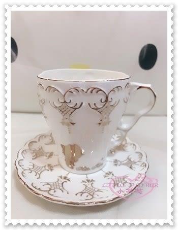 ♥小花花日本精品♥ Hello Kitty 咖啡杯 茶杯 陶瓷盤 咖啡杯盤組 茶杯盤組 立體浮雕 站姿 11262503