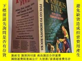 "二手書博民逛書店the罕見famous five five go to demon's rocks 著名的""五五""去魔鬼的巖石"
