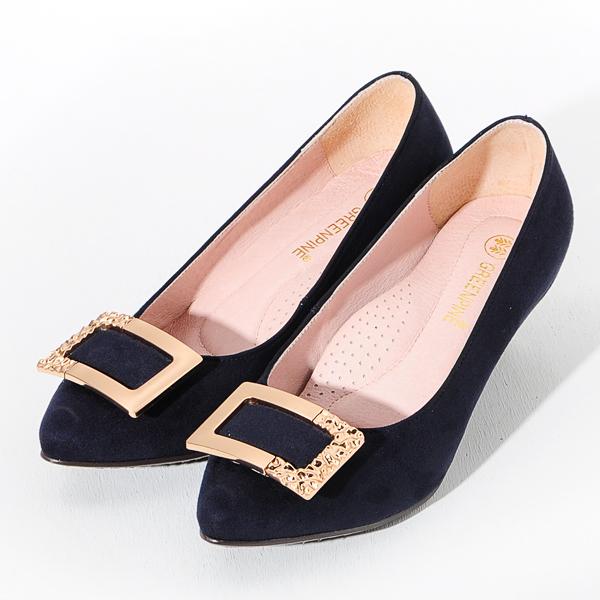 ★新品上市★GREEN PINE 方釦絨面尖頭高跟鞋  -藍色