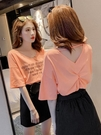 露背上衣 2020夏季V領女士洋氣短袖心機T恤女設計感韓版露背ins潮上衣女夏 曼慕衣櫃