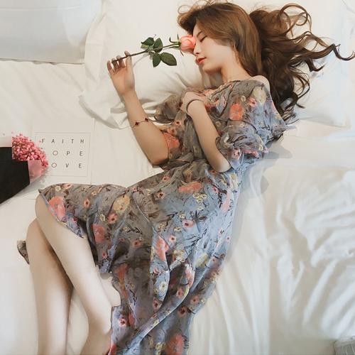 【藍色巴黎】甜美碎花吊帶一字領露肩雪紡連身裙 洋裝 【28085】