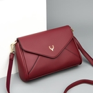 側背包 中年女士時尚簡約斜挎小包包2021款大容量百搭單肩媽媽真皮軟皮包
