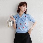 VK精品服飾 韓系釘珠假領帶草莓印花針織單品短袖上衣