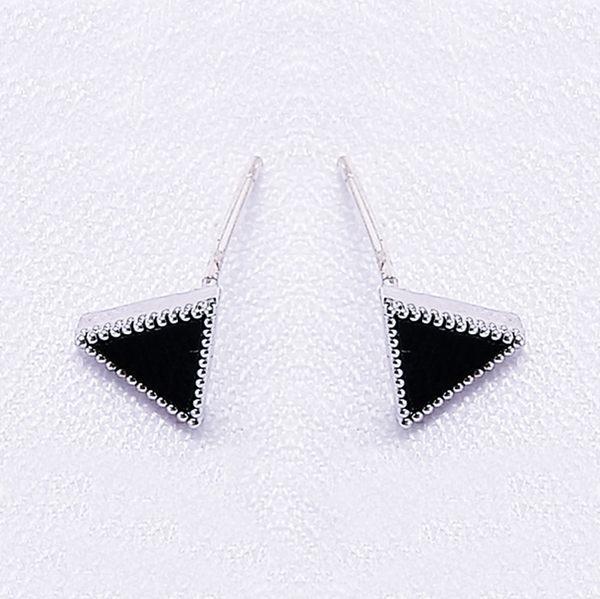 925純銀 黑色三角形 黑瑪瑙 耳環耳釘針-銀 防抗過敏