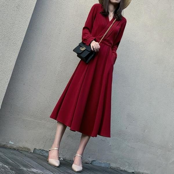 雪紡洋裝 秋季裝新款小眾洋裝氣質長款紅色雪紡赫本風收腰顯瘦設計感裙子 雙十二全館免運