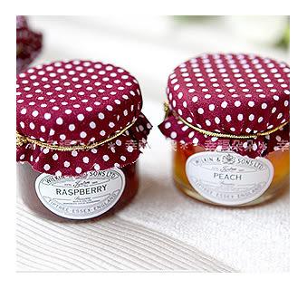 幸福朵朵【草莓點點英國Tiptree布帽小果醬】迎賓擺桌/送客禮/二次進場/婚禮小物