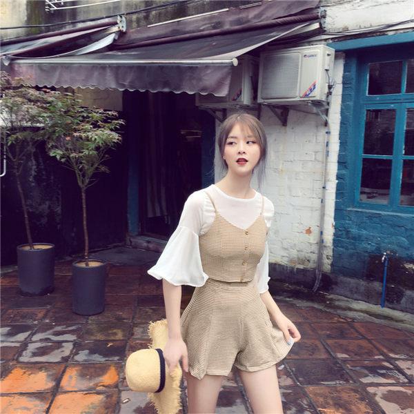 [協貿國際]時尚格子套裝夏雪紡衫+褶皺背心小吊帶+闊腿短褲 三件套1入