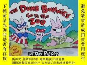 二手書博民逛書店英文原版童書The罕見Dumb Bunnies Go to th