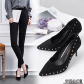 高跟鞋 網紅新款時尚百搭反絨尖頭高跟鞋女鉚釘細跟單鞋淺口紅色婚鞋女鞋