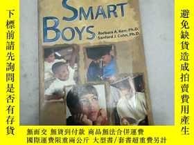二手書博民逛書店Smart罕見Boys: Talent, Manhood, an