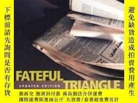二手書博民逛書店Fateful罕見TriangleY256260 Noam Chomsky Consortium Book S