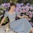 法式洋裝 法式復古方領泡泡袖連身裙女夏鏤空收腰顯瘦氣質裙子仙女超仙森系-Ballet朵朵