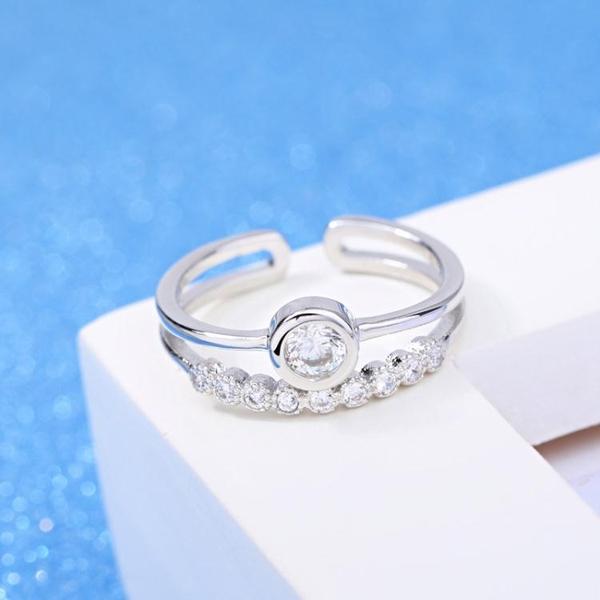 新款日韓時尚流行精緻鋯石戒指女開口 鍍銀飾品《小師妹》ps495