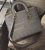 ■專櫃94折■ 全新真品■Dior 灰色 Cannage 藤格紋圖案刺繡Lady D-Lite 包