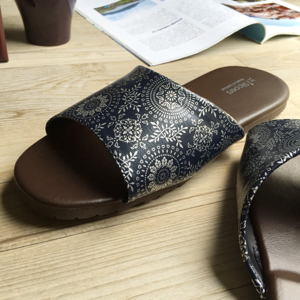 台灣製造-經典系列-室內拖鞋-橡膠鞋底皮拖 - 光年-藍