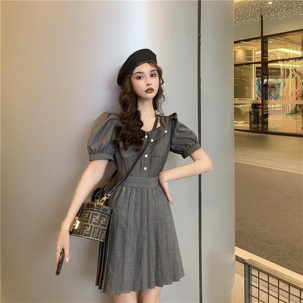 VK旗艦店 韓國風百褶高腰泡泡袖復古短袖洋裝