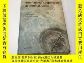 二手書博民逛書店New罕見Initiatives on International Cooperation in Criminal
