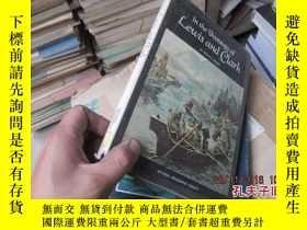 二手書博民逛書店in罕見the footsteps of lewis and c