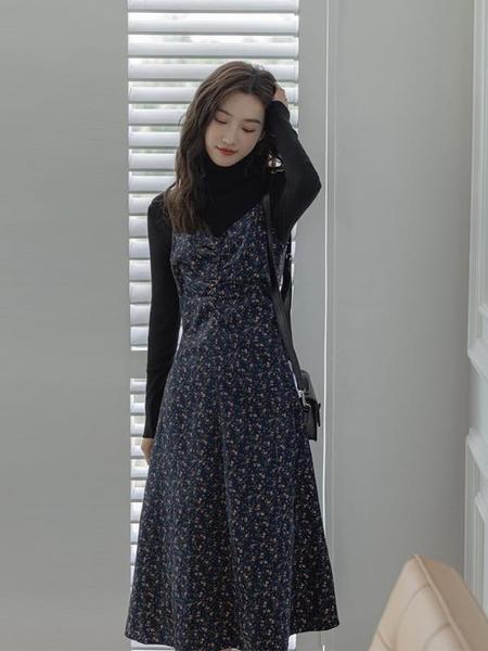 洋裝 2021新款春季茶歇法式金絲絨吊帶碎花背心打底內搭長裙子女【牛年大吉】