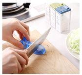 MARNA日本進口家用魚型迷你磨刀器創意水果刀剪刀磨刀石廚房工具歐歐流行館