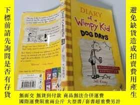 二手書博民逛書店Diary罕見of a Wimpy Kid:Dog Days 弱小的日記:三伏天Y200392