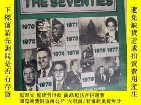 二手書博民逛書店Day罕見by day the seventies 七十 的每一