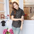 襯衫--知性女孩氣質金釦造型收腰設計短袖襯衫(白.黑S-3L)-H144眼圈熊中大尺碼