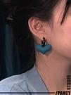 耳環 新款暗黑磨砂紅愛心桃心吊墜耳環復古氣質設計小眾潮流2021