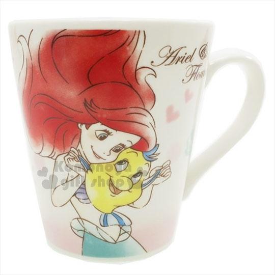 〔小禮堂〕迪士尼 小美人魚 陶瓷馬克杯《粉白.貝殼.點點.抱小比目魚》精美盒裝 4548626-06531