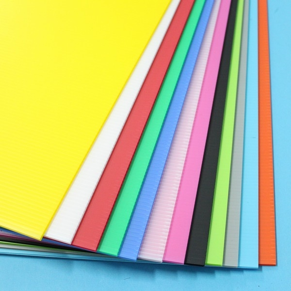 小A4塑膠瓦楞板 PP瓦楞板 厚度3mm(混色)/一小包5張入(定35) 廣告板 瓦愣板 200mm x 297mm