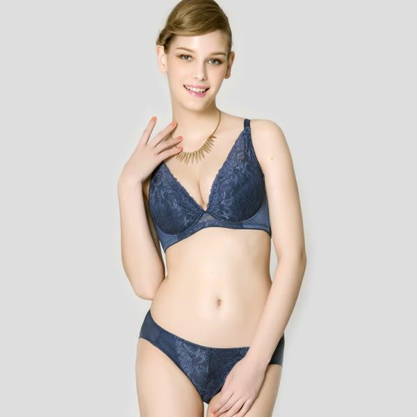 思薇爾-香蔓系列M-XL蕾絲低腰三角內褲(海神藍)