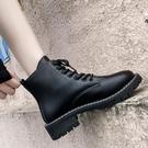 短靴 夏季馬丁靴女薄款年春秋季帥氣機車靴平底百搭繫帶短靴女 晶彩 99免運