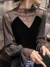 蕾絲上衣 黑色絲絨上衣女秋冬洋氣小衫蕾絲內搭心機性感亮絲拼接網紗打底衫【快速出貨】