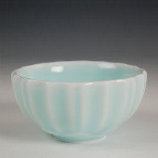 浮雕菊花杯